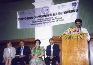M.C. Nandeesha addresses the first AFS Women in Asian Fisheries Symposium, 1998, Chiang Mai, Thailand