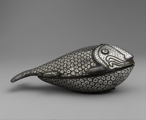 Fish-Shaped Box, Islamic bidiri ware, 19th century India, Lucknow or Hyderabad. Source: Metropolitan Museum of Art, New York (http://www.metmuseum.org)