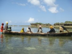 Farmers preparing to go to sea to look after their crops. Photo: Flower Msuya